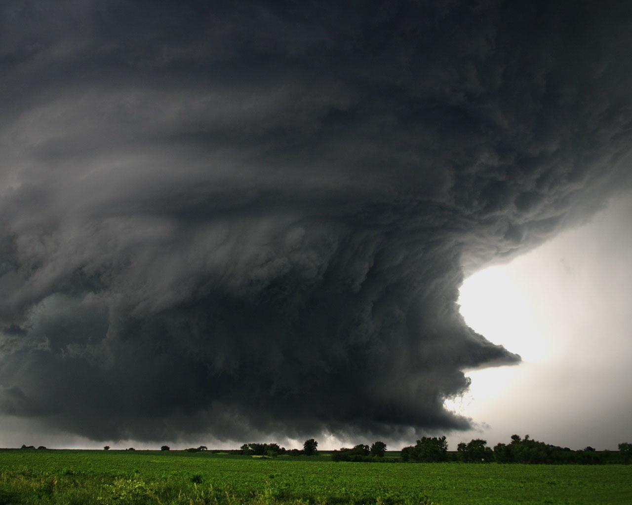 торнадо, образование смерчей вихрей