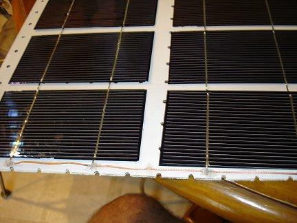 Соединение цепочек солнечных элементов